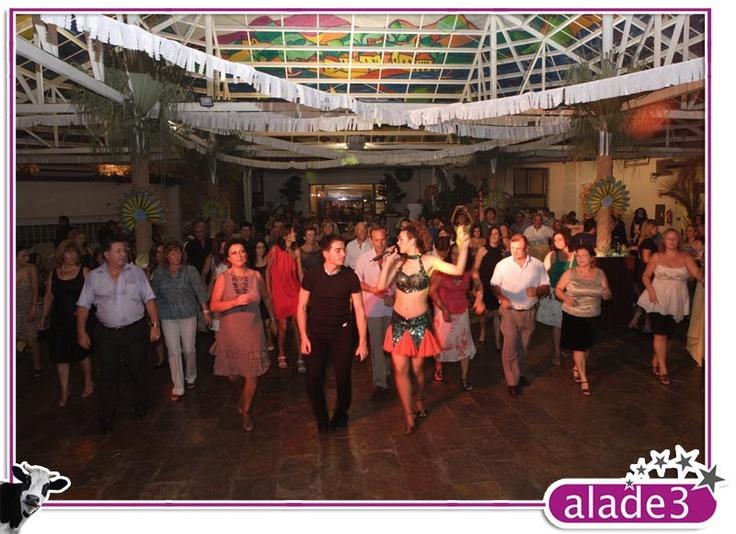 Baile. Fiesta de Carnaval de Alade3  www.alade3.es
