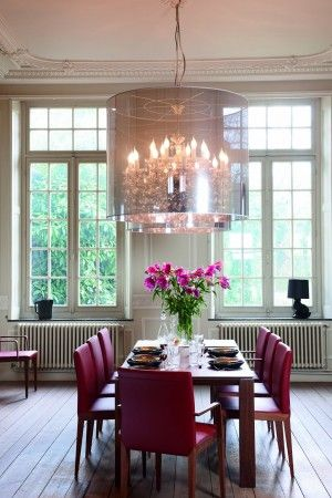 FLAVA CHAIRS + OPERA TABLE