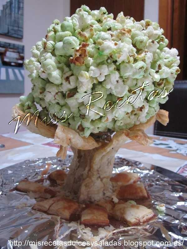 Centro de mesa de bonsái de palomitas dulces / Bonsai centerpiece of sweet popcorn