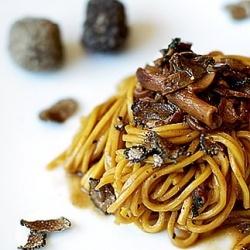 spaghetti alla chitarra with black truffles and porcini