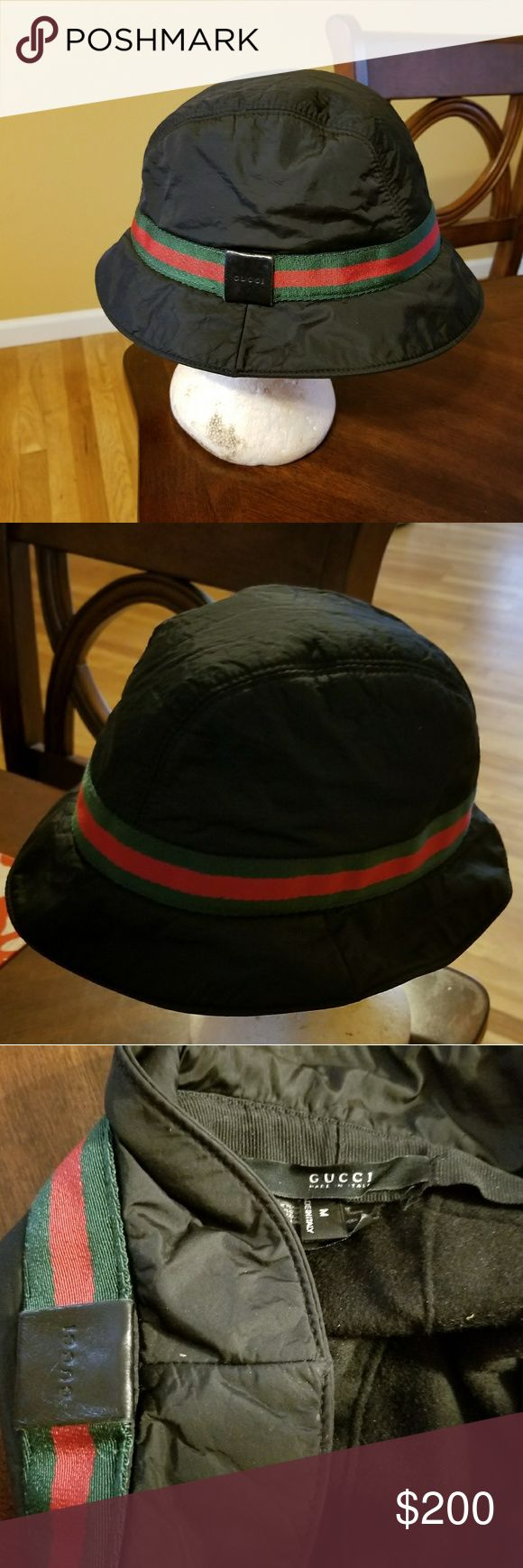 Gucci Black with the Gucci green and Red Signature Black Gucci Bucket Hat with green and Red woven web trim featuring leather embossed logo accent at the brim. Designer size Medium. Good condition moderately worn. 99%poliammide 1% Polyurethane Lining: 50% cashmere 50% Lana/wool Made Italy Pre-worn Gucci Accessories Hats