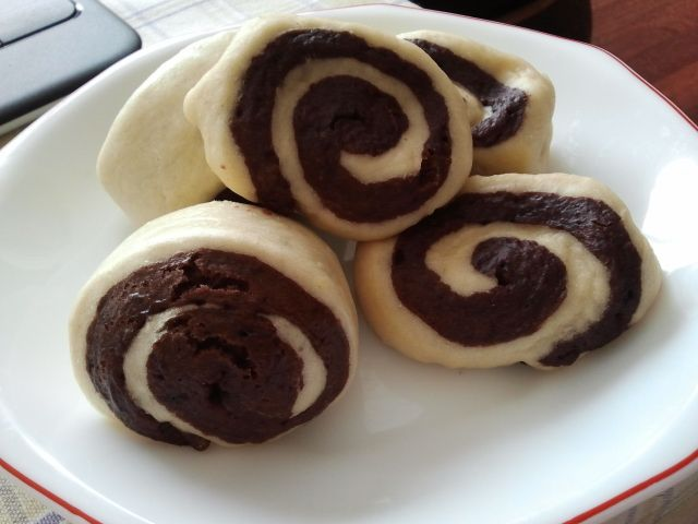 chinese buns with chocolate