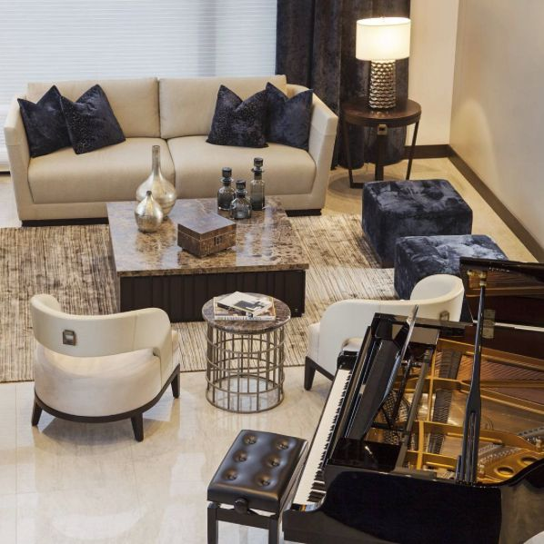 Decoramos este espacio inspirados por la música... dando lugar al piano como protagonista.  #deco #interiorismo #diseñointerior #decoradores #arquitectos #homedesign #instahome #decolovers #arqlovers #ciudadempresarial #adrianahoyoschile