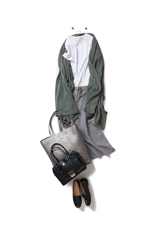 白Tシャツに、 冬の素材を加えてみたら。。。 2015-10-07 | skirt price :28,080 brand : GALERIE VIE | scarf price :66,960 brand : JOHNSTONS
