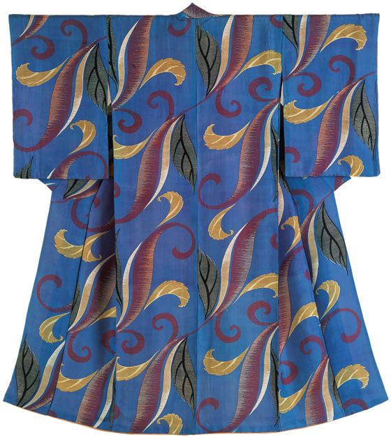 Kimono early 20th century. Victoria and Albert Museum.