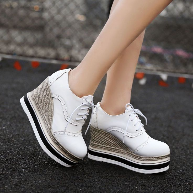 Women Wedge Heel Wing Tip Lace Up Brogue Platform Pumps British Casual Shoes