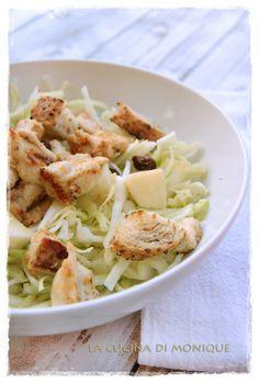 Insalata autunnale con cavolo cappuccio, mela, uvetta e pollo marinato allo yogurt e lime _ la cucina di monique