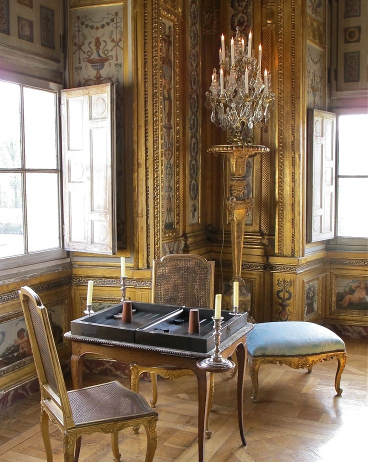French 17th century architecture and d cor chateau vaux for Inside in french