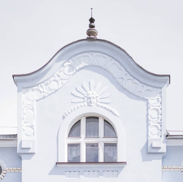 I am a great #artnouveau architecture fan so I was really excited when I discovered this beautiful detail in my hometown #Gliwice ♡ IG: @epepa.eu Travel blog: http://www.epepa.eu