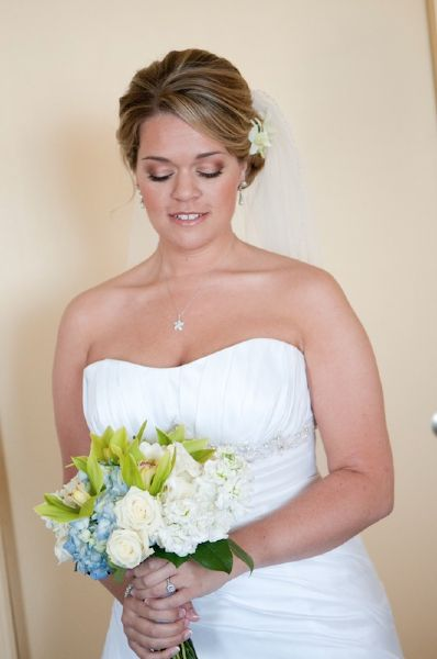 Soft And Natural Bridal Makeupperfect For A Beach Wedding