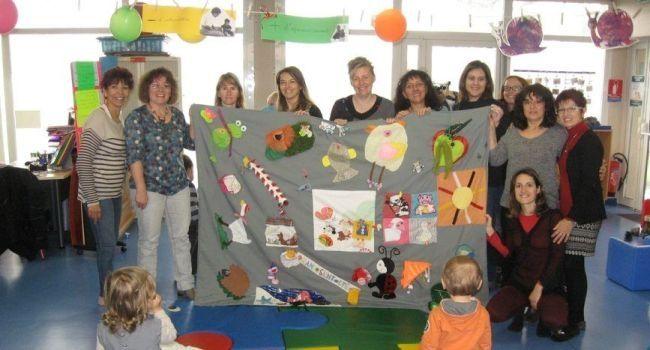 Un tapis d 39 veil cr par les assistantes maternelles assistantes mater - Tapis d eveil fait main ...