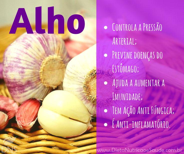 O Alho é um dos temperos mais utilizados pelos brasileiros, pode ser utilizado cozido, frito, ou cru.  www.dietanutricaoesaude.com.br  O chá de Alho também é muito popular para curar a Gripe e dor de garganta.  O Alho ainda possui:  - Fibras; - Vitaminas: A, B6, B12 e C; - Minerais: Cálcio, Ferro e Magnésio.  E você, como prefere consumir o Alho?