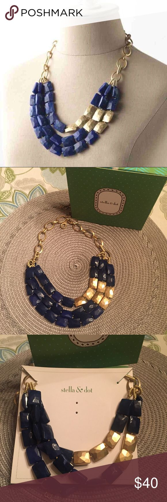 *Sale* Stella & Dot Bahari Necklace! EUC Excellent condition! Only worn a few times! Comes with the box! Beautiful navy & gold statement necklace! Stella & Dot Jewelry Necklaces