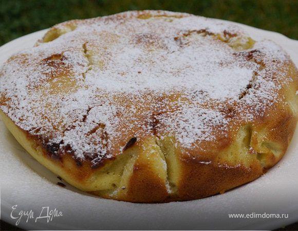 Грушевый пирог с белым шоколадом . Ингредиенты: сахар, груши, мука