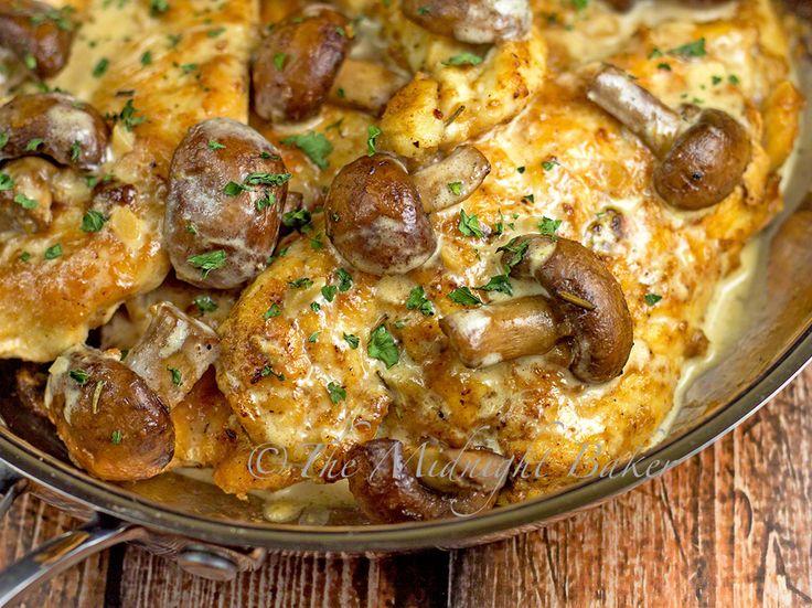 Rosemary Chicken with Portabella Mushrooms | bakeatmidnite.com | #chicken #mushrooms #rosemary #recipe