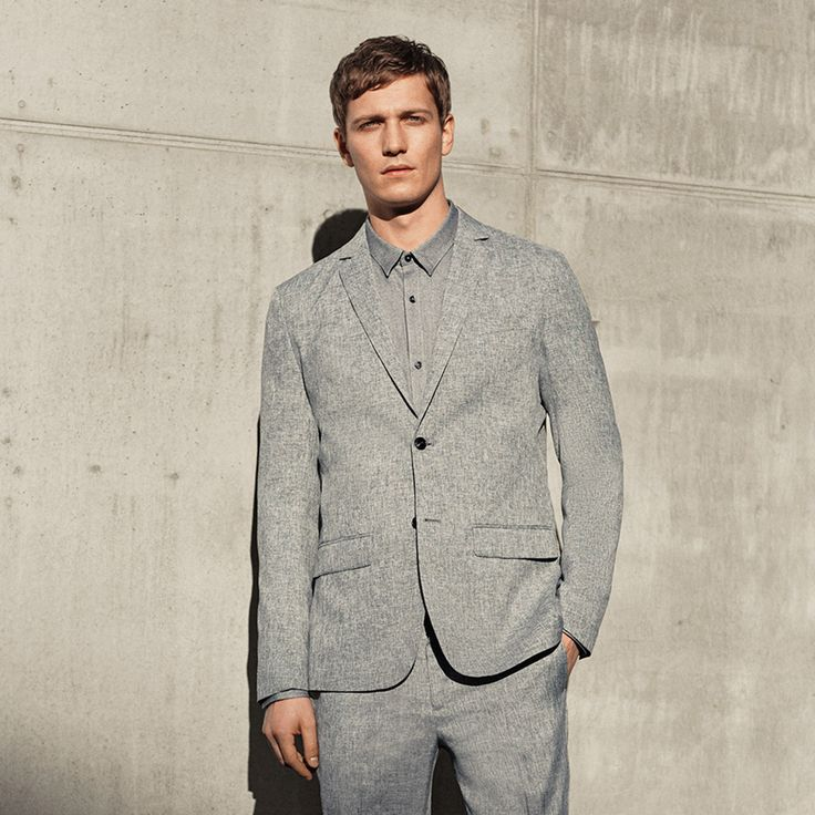 Regular fit all grey suit for a modern and elegant look | JACK & JONES