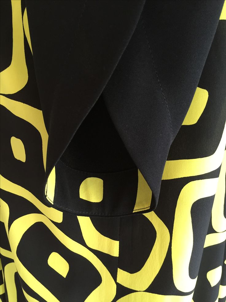Reliefbyjunker.dk Long silk drees, details.