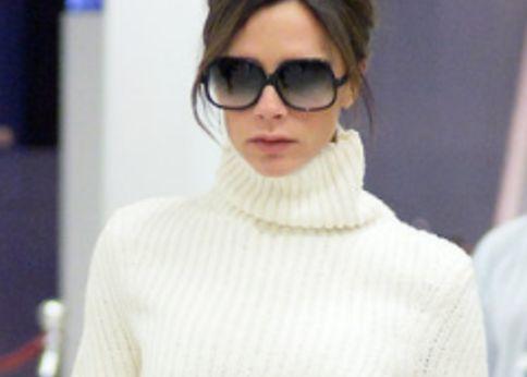 幾つになっても綺麗で、いつも自信に満ち溢れているヴィクトリア・ベッカムは、ファッションが好きな女性なら誰もが憧れる存在ですよね!そんな彼女の冬のニットスタイルをお手本に、40代の女性におすすめのクールなニットスタイルをご紹介します!
