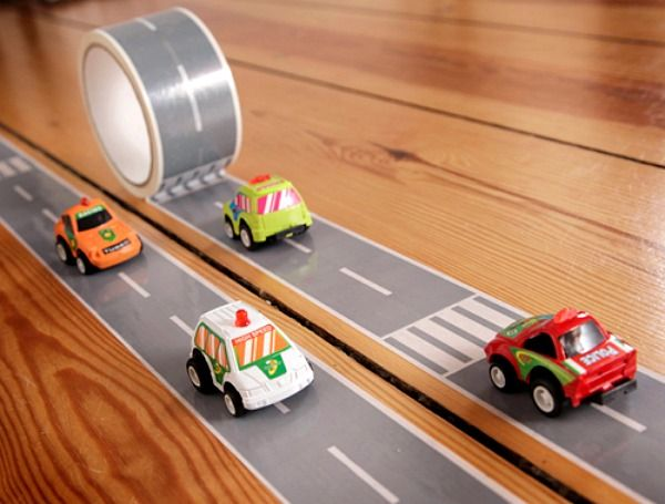 Hit the road whenever you want with the gorgeous and super-fun My First Autobahn road-themed tape, which is perfect for creative kids to build their own road or autobahn.