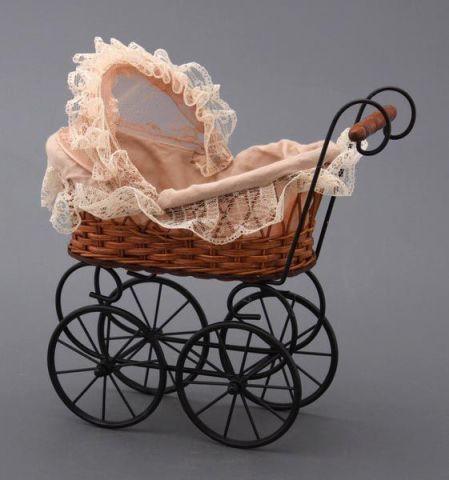Плетеная коляска для кукол artwares attic wooden
