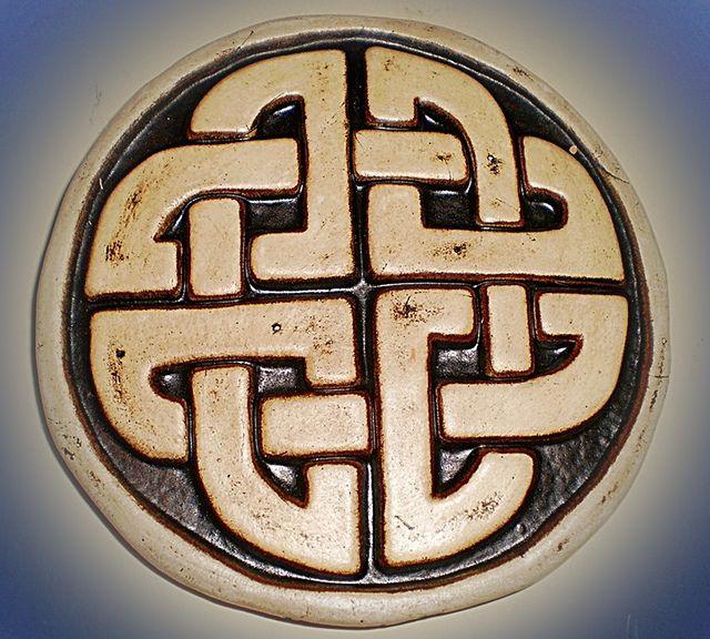 Símbolo celta simboliza la unión de dos almas enamoradas más allá del espacio y el tiempo