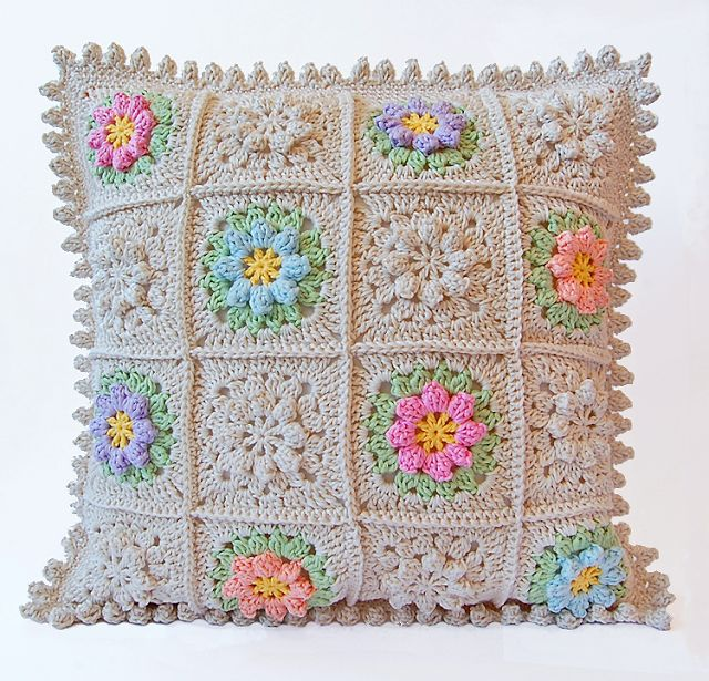Primavera flowers pillow