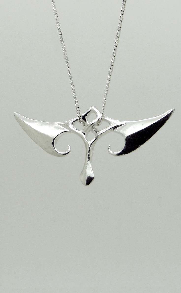 Silver Fin Pendant.   Inspired by Maori Traditional art. Designed & Manufactured with 3D Printing.