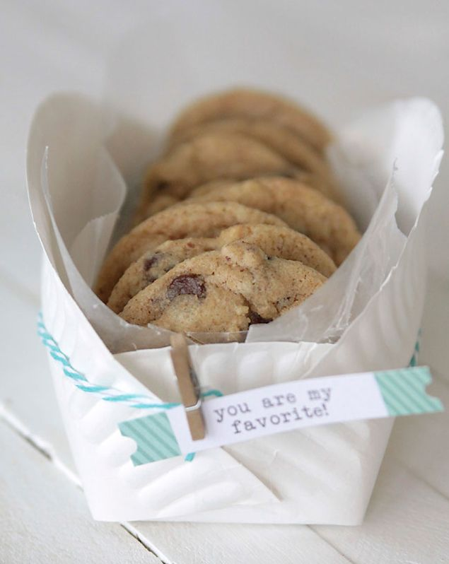 DIY Cookie Basket from a paper plate ... Chocolate Chip Cookie recipe found here:   http://www.itsalwaysautumn.com/2013/10/14/the-perfect-never-flat-chocolate-chip-cookie-recipe.html