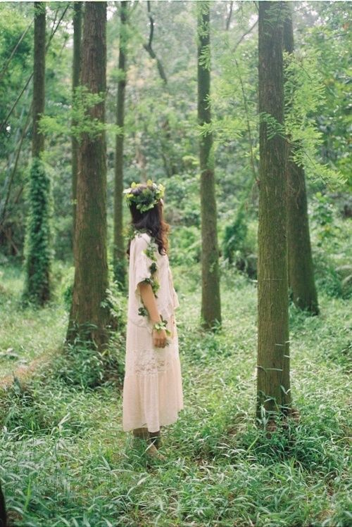 Woman in the forest #gypsy #bohemian ☮k☮ #boho
