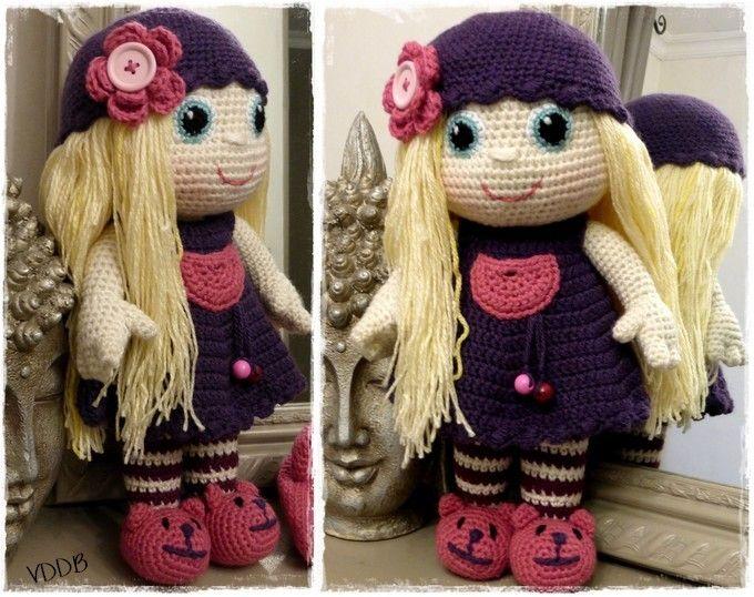 J'ai prénommé cette poupée du nom de la petite fille dont elle a rejoint les bras. Voici donc VICTORINE