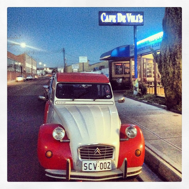 citroen 2CV • Chris Bennet's Red & White 2CV Dolly 'Murtle' at Cafe De Vili's 2/14 Manchester St Mile End Adelaide City Nov 18 2013 • photo by riawati djuwita • Vili's is open 24/7 and is an Adelaide icon