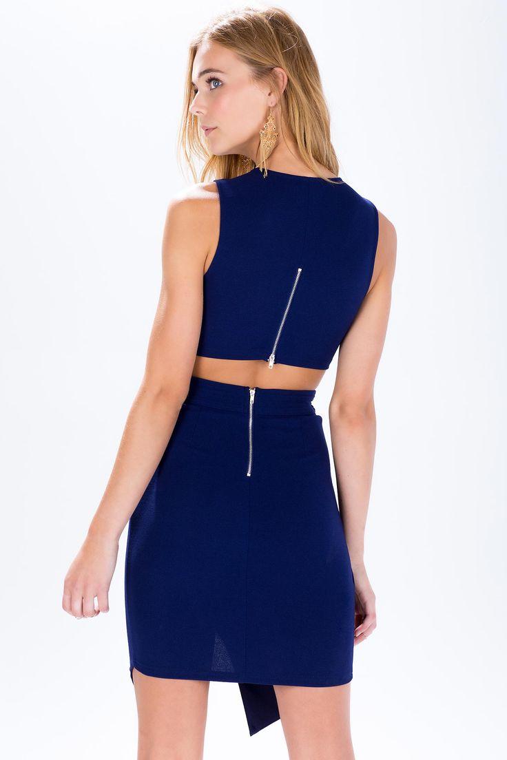 Платье с вырезами Размеры: S, M, L Цвет: синий, оливковый Цена: 2441 руб.  #одежда #женщинам #платья #коопт