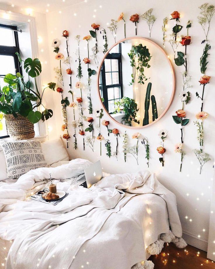 Blumiges Zimmer Deko Blume Wandbild Blume runder Spiegel #blumen #apartmentthera… – Dekoration ideen