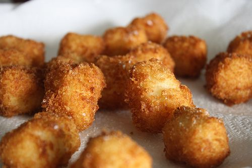Homemade Tater Tots using leftover mashed potatoes...need to try!