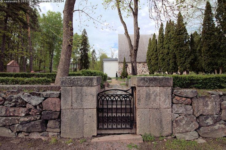 Pohjan kirkkon portti - Pohjan kirkko keskiaikainen. Raasepori Pohja