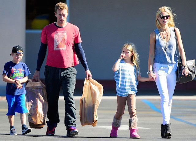 Coldplay lead vocalist, Chris Martin with his ex-wife Gwyneth Paltrow and 2 kids...