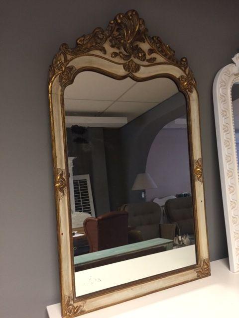 Barokke spiegel met goude accenten