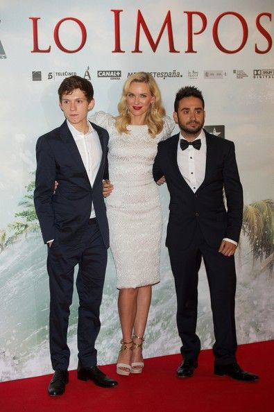 """(L-R) Actor Tom Holland, actress Naomi Watts and Spanish director Juan Antonio Bayona attend the """"The Impossible"""" (Lo Imposible) premiere at Kinepolis cinema on October 8, 2012 in Madrid, Spain. - 'The Impossible (Lo Imposible)' Madrid Premiere"""