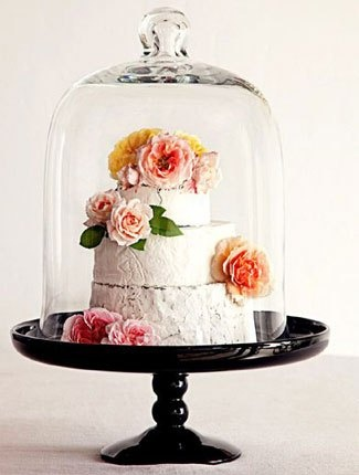 Not your classic cheese cake  Cypress Grove Chèvre offers kits of their goat cheeses so that couples can work with event designers or florists to design their own custom cakes. Designs can incorporate flowers and fruits or decor items such as ribbon, to make the cakes wedding-worthy.   #cheese #cake
