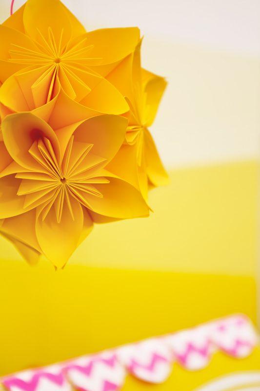 DIY crée un soleil en origami, kusudama japonais par Les Trafiquantes
