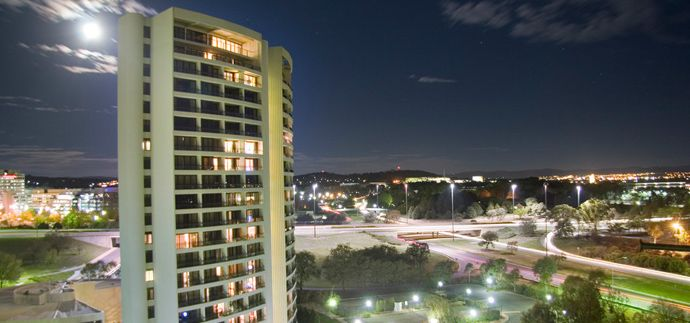 BreakFree Capital Tower is right on the shores of Lake Burley Griffin, with panoramic views over the Parliamentary Triangle to the Brindabella Ranges in the distance. At night, check out how the city lights sparkle! Your accommodation is a self-contained spacious apartment city or lakeside, No dining on site. nor gym. Outdoor pool.