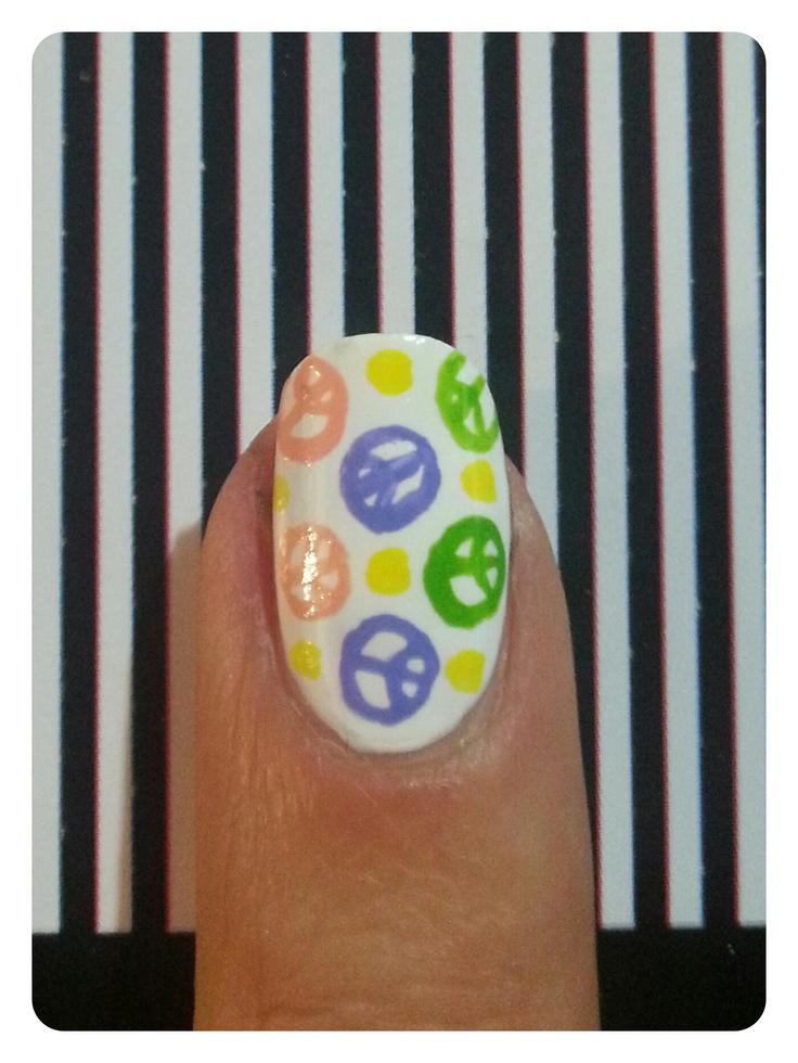 Nailsart simbolos de la paz