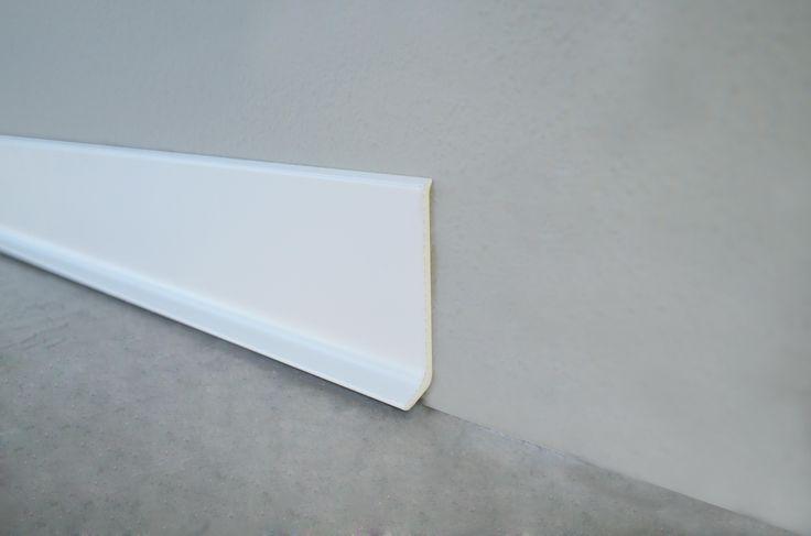 Plinta din aluminiu vopsita in alb mat: Battiscopa BA600AM11 Lungime 2.7m Inaltime 6cm Adancime 11mm Comanda la 0734 396 390