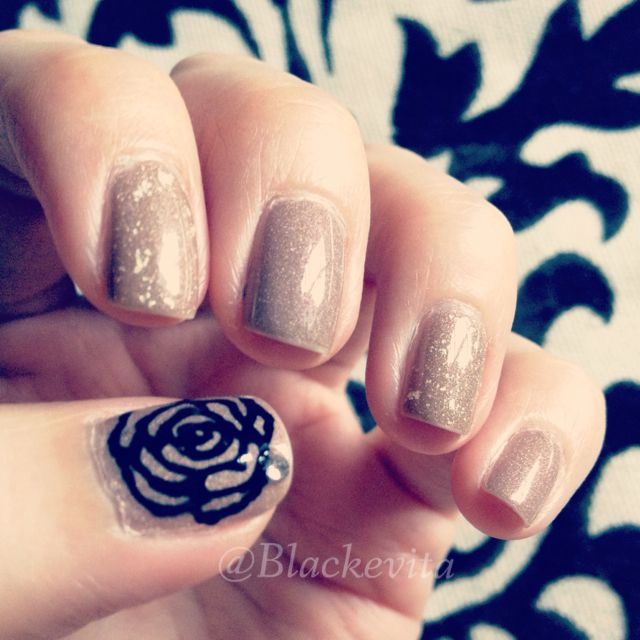 Nails_Rose Manicure