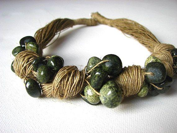 lazo verde collar de lino por GreyHeartOfStone en Etsy                                                                                                                                                                                 Más