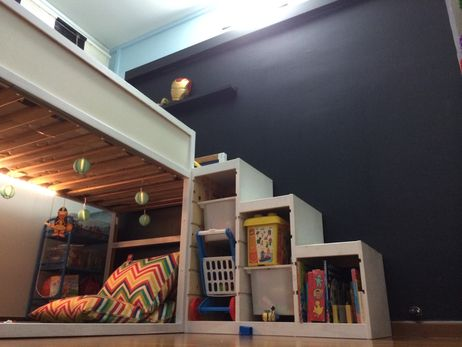 Ikea kura, ikea trofast, blackboard wall, foldable cushion