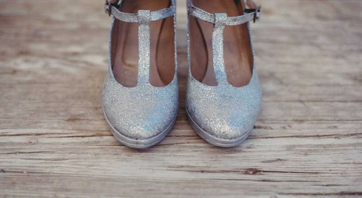 Glitter shoes for your wedding day! We did it! DIY!!!  www.andphotography.it