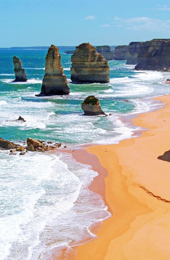 Twelve Apostles, Victoria Australia - beautiful place ever!!