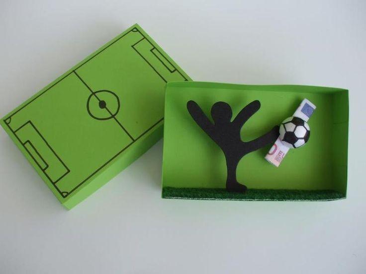Weiteres - Geschenkbox Fußball,Geldgeschenk - ein Designerstück von IdeenFeen bei DaWanda