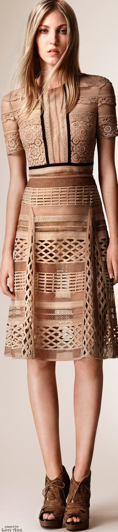 Burberry Prorsum Resort 2016                                                                                                                                                      More